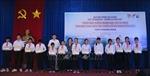 Trao học bổng cho học sinh dân tộc thiểu số và con em hải quân, ngư dân