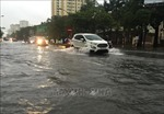 Mưa lớn gây ngập ở thành phố Vinh, nhiều trường cho học sinh nghỉ học