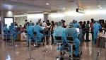 TPHồ Chí Minh lấy mẫu xét nghiệm tất cả hành khách tại sân bay và ga tàu