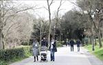 Từ 5/4, người dân vùng Lombardia ở Italy bắt buộc phải đeo khẩu trang khi ra khỏi nhà