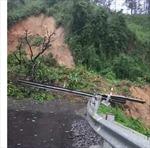Sạt lở khoảng 1.000 khối đất đá tại Quốc lộ 26 ở Đắk Lắk
