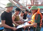 Giúp ngư dân có thêm kiến thức khi đi biển