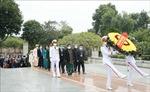 Đoàn đại biểu dự Đại hội các dân tộc thiểu số Việt Nam tưởng niệm các Anh hùng liệt sỹ
