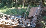 Cầu Suối Mum gãy đôido xe chở hàng quá tải trọng
