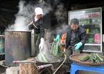 Làng nghề bánh chưng Bờ Đậu sôi động vào vụ Tết