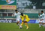 Sông Lam Nghệ An hòa Bình Định 1-1 dù chơi với 10 cầu thủ từ sớm