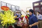 Chủ tịch Quốc hội Vương Đình Huệ thắp hương tưởng niệm đồng chí Lê Quang Đạo
