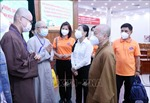 Tình nguyện viên tôn giáo tham gia hỗ trợ lực lượng tuyến đầu điều trị COVID-19