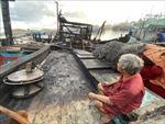 Cháy 5 tàu cá đang neo đậu tại cảng Quy Nhơn (Bình Định)