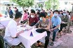 Khám sàng lọc sức khỏe và phát thuốc cho khoảng 4.000 công nhân