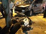 Ô tô 7 chỗ tông vỡ nát hai xe máy, 3 người trọng thương
