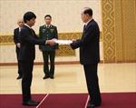 Đại sứ Việt Nam tại Triều Tiên Lê Bá Vinh trình Quốc thư