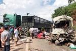 Sơn La: Xe khách va chạm xe đầu kéo, 11 người bị thương