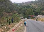 Xe ô tô lao xuống vực sâu 400m tại Sơn La