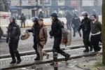 Pháp huy động cả quân đội trong những ngày phe 'Áo vàng' biểu tình