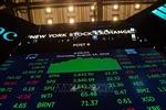 Chứng khoán Mỹ chuyển xanh sau quyết định giữ nguyên lãi suất của FED