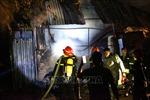 Cháy lớn thiêu rụi xưởng nhựa tại quận Hoàng Mai (Hà Nội)