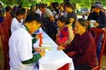 Khám chữa bệnh, cấp phát thuốc miễn phí cho đồng bào dân tộc thiểu số vùng biên giới