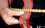 Người Cơ Tu gìn giữ sắc màu thổ cẩm