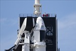 SpaceX và NASA hoãn phóng tàu Crew Dragon