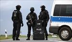 Đức phát hiện 31 người di cư trốn trong xe tải chở hàng đông lạnh