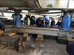 Khẩn trương khắc phục sự cố tàu thủy đâm vào cầu đường sắt Tam Bạc, Hải Phòng