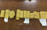 Bắt quả tang vụ vận chuyển trái phép 51 kg kim loại nghi là vàng