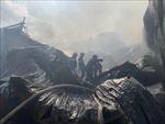 Hỏa hoạn thiêu rụi nhiều ki-ốt tại Bình Dương