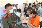 Đoàn viên, chiến sĩ Cảnh sát cơ động hiến máu tình nguyện