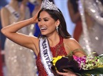 Chiêm ngưỡng vẻ đẹp quyến rũ của tân Hoa hậu Hoàn vũ 2020