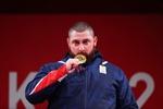 Olympic Tokyo 2020: Lasha Talakhadze phá kỷ lục cử tạ thế giới