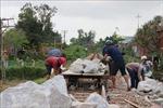 Khẩn trương khắc phục đường ray bị hư hỏng do mưa lũ tại Quảng Ngãi