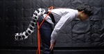 Nhật Bản thiết kế đuôi robot cho người hay bị ngã
