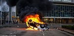 Phản đối biện pháp phòng COVID-19, người dân Hà Lan đốt ô tô, đập phá cửa hàng