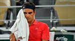 Sân đất nện vắt kiệt sức lực, Federer bất ngờ rút khỏi Roland Garros 2021