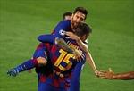 Bayern Munich cũng Barcelona dắt tay vào tứ kết Champions League