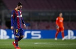 Barca thêm một mùa giải thất bát, đã quá đủ để quyết định tương lai Messi?