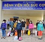 Những bệnh nhân nặng, nguy kịch đầu tiên của Bệnh viện Hồi sức COVID-19 TP Hồ Chí Minh xuất viện