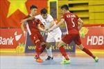 HLV Phạm Minh Giang và các cầu thủ sẵn sàng cho trận tranh vé dự VCK FIFA Futsal World Cup 2021