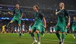 Tottenham vào bán kết sau màn rượt đuổi tỷ số 'điên rồ' trên sân Etihad
