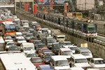 Trường học và ngân hàng mở cửa suốt đêm: Giải pháp chống tắc đường ở Manila?