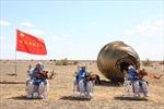 Video các phi hành gia Trung Quốc an toàn trở về Trái Đất sau 90 ngày trên trạm Thiên Cung
