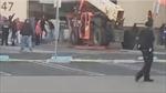 Video kẻ cướp dùng xe nâng tàn phá siêu thị giữa ban ngày