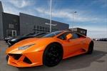 Đối mặt án tù 70 năm vì dùng tiền cứu trợ dịch COVID-19 để mua siêu xe Lamborghini