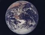 Trái Đất từng nghiêng 12 độ sau đó tự điều chỉnh lại vào 84 triệu năm trước