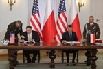 Ngoại trưởng Mỹ gặp các nhà lãnh đạo Ba Lan và ký kết thỏa thuận hợp tác quân sự mới