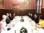 Chủ tịch Hội Nghị sỹ Hungary đánh giá cao cộng đồng người Việt Nam