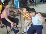 Thầy giáo tý hon hết lòng vì nạn nhân da cam