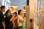 Triển lãm và ra mắt sách ảnh 'Tinh thần Việt và cuộc chiến chống đại dịch COVID-19'