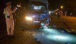 Xe máy lấn làn, đấu đầu xe tải khiến nam thanh niên tử vong tại chỗ